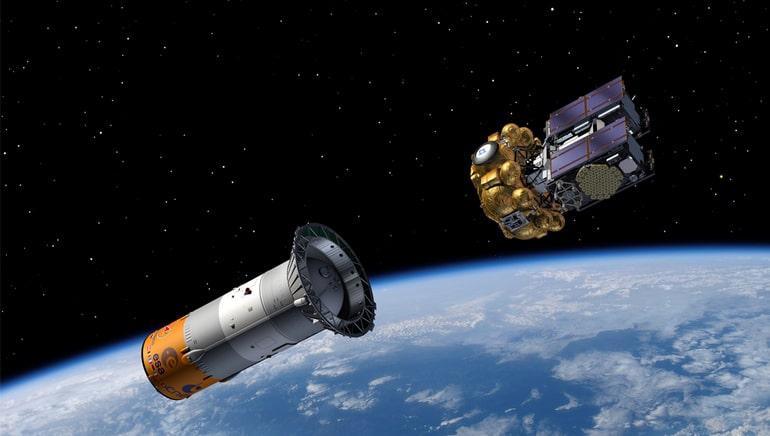 Ракетный блок в космосе